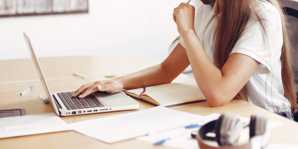 Organización Estudios UOC Universidad Online